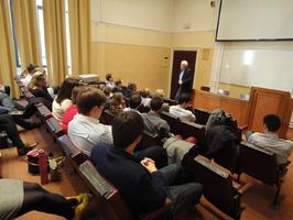 Organisation von Seminaren (z.B. Alumni-Campus), Bildungsreisen, Alumni-Treffen und ähnlichen Events